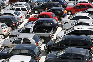 Incentivos para compra de carros salvam setor da queda