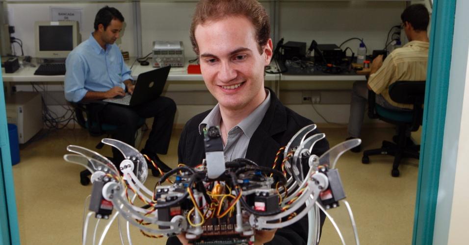 Engenharia eletrônica, profissão, robô