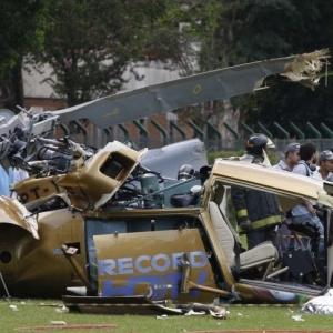 Helicóptero da TV Record cai no gramado do Jockey Clube de São Paulo