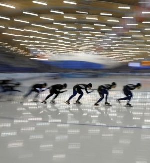 Patinadores treinam para os Jogos Olímpicos de Inverno, que tem a cerimônia de abertura na sexta