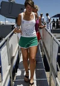 Sobreviventes do veleiro canadense Concordia chegam ao Rio