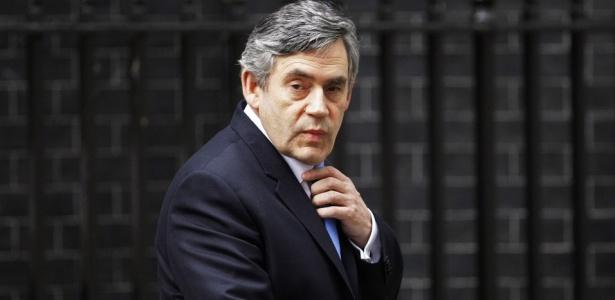 O primeiro-ministro britânico Gordon Brown na chegada a sua casa em Londres, na Inglaterra