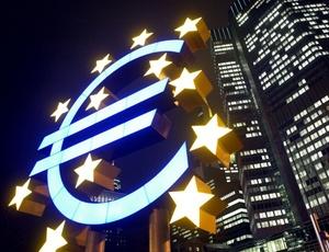 Fachada do prédio sede da União Europeia, localizado em Bruxelas (Bélgica)