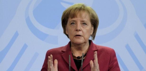 """Angela Merkel disse que """"o abuso sexual de crianças... é um crime abominável"""""""