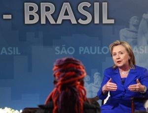 Hillary Clinton durante evento na Faculdade Zumbi dos Palmares, em São Paulo