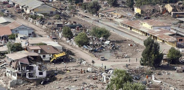 Cenário de destruição na região afetada pelo terremoto no sul do Chile