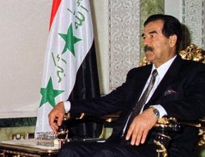 Saddam Hussein, ex-presidente do Iraque, em imagem de 1998. Os atos do ditador deposto pelos EUA ainda ecoam na memória dos iraquianos