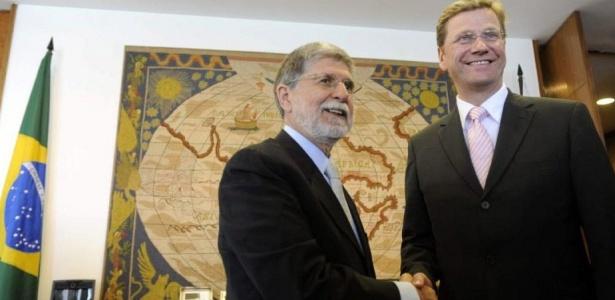 O ministro das Relações Exteriores, Celso Amorim, recebe o ministro da Alemanha, Guido Westerwelle,no Palácio Itamaraty, em Brasília, durante a visita oficial do diplomata alemão por vários países latino-americanos como Chile, Argentina e Uruguai