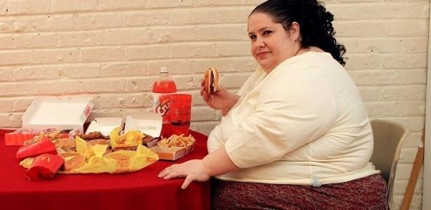 Donna Simpson pretende entrar para o livro dos recordes como mulher mais gorda do mundo