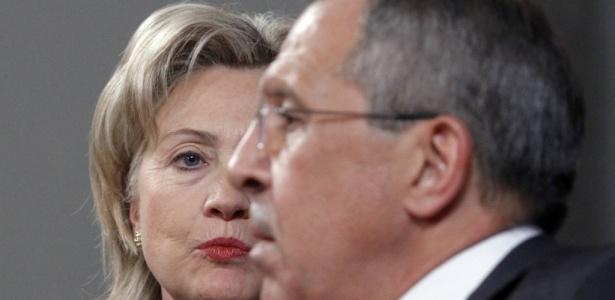 A secretária de Estado norte-americana, Hillary Clinton, e o ministro das Relações Exteriores da Rússia, Sergei Lavrov, em Moscou