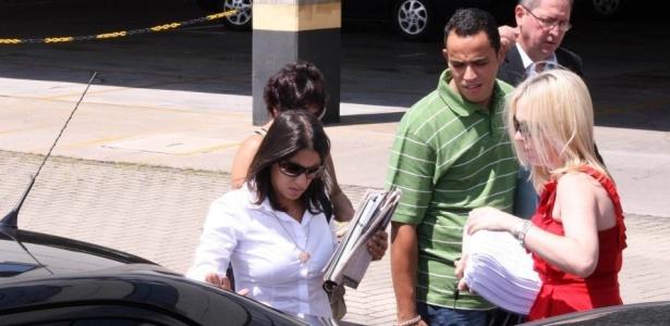 Ana Carolina Oliveira, mãe de Isabella, chegou por volta das 11h15 ao fórum de Santana, na zona norte de São Paulo, para o julgamento de Alexandre Nardoni e Anna Carolina Jatobá