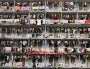 Classe média chinesa começa a enfrentar uma realidade ocidental: morar no centro das grandes cidades é muito caro