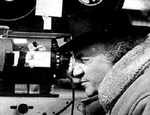 O diretor de cinema italiano Federico Fellini