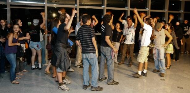 Estudantes ocupam a nova sede da Câmara Legislativa do DF, ainda não inaugurada