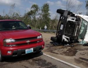 Tornados provocam mortes no Mississipi, Estados Unidos