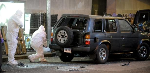 Polícia científica inspeciona o carro do atentado fracassado na Times Square
