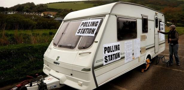 Trailer é usado como posto de votação nas eleições parlamentares do Reino Unido