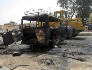 Imagens do carro bomba utilizado no último atentado coordenado no país na última segunda-feira (10), matando mais de cem pessoas. A data foi a mais violenta do país neste ano