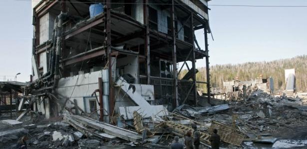 Chega a 31 número de mortos por explosões de gás em mina de carvão siberiana