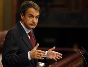 O primeiro-ministro espanhol, José Luis Rodríguez Zapatero, durante anuncio do pacote de cortes no parlamento de Madrid, na Espanha