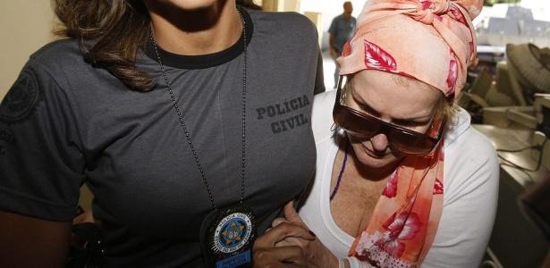 Procuradora aposentada se entregou à Justiça na manhã desta quinta-feira, ela é acusada de torturar menina de 2 anos