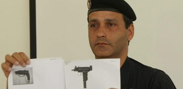 Comandante do Bope mostra imagens de furadeira e metralhadora