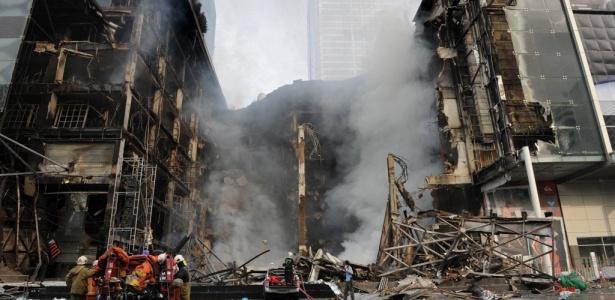 Cerca de 35 prédios de Bancoc foram incendiados, segundo autoridades; <b>veja mais fotos</b>