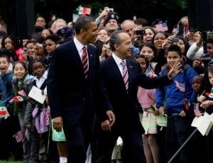 O presidente dos EUA, Barack Obama, recebe o presidente do México, Felipe Calderón, na Casa Branca, sede do governo norte-americano
