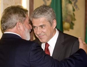 O presidente Luiz Inácio Lula da Silva durante encontro com o primeiro-ministro português José Sócrates, em Lisboa (Portugal).