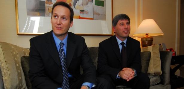 Jan Paladino (esquerda) e Joseph Lepore, que pilotavam o jato Legacy que se chocou<br> no ar contra o Boeing da Gol, continuam voando normalmente nos Estados Unidos