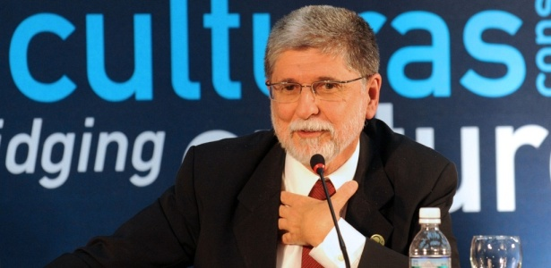 Para o ministro Celso Amorim, diálogo e a diplomacia podem ajudar a superar obstáculos