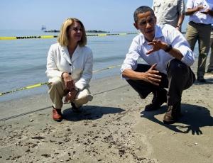 Barack Obama visita praia na Louisiana atingida por mancha de óleo; <b>veja mais fotos</b>