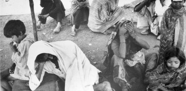 Vítimas de vazamento de gás venenoso que ocorreu em 1984 na cidade de Bophal, na Índia, deixando milhares de mortos ao longo dos anos