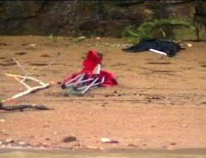 Imagem de televisão mostra estragos provocados por inundação em região de camping, em Arkansas