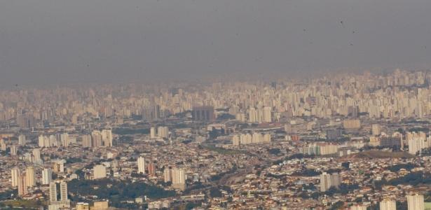 Umidade do ar está abaixo do indicado pela OMS; Na foto, vista do Pico do Jaraguá, em SP
