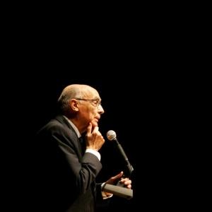 """O português José Saramago fala de seu romance """"As Intermitências da Morte"""", sobre o que ocorreria se a morte deixasse de matar, em São Paulo (28/10/2005)  - Daniel Kfouri/Folha Imagem"""