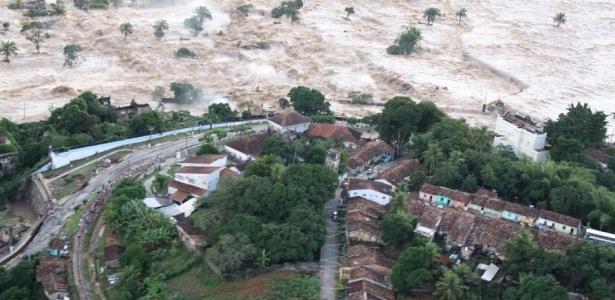Município de Rio Largo (AL) é atingido pela forte cheia do rio Mundaú