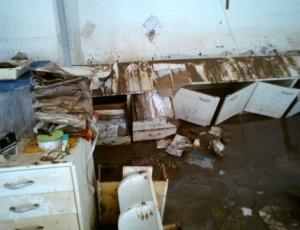 Cart&#243;rio de Rio Largo atingido pelas chuvas. Cerca <br> de 30 livros de registro foram danificados