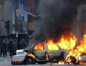 Os mais de 5.000 mil policiais nas ruas de Toronto não conseguiram impedir os protestos
