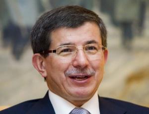 O ministro das relações Internacionais da Turquia, Ahmet Davutoglu, durante conferência de imprensa em Oslo, na Noruega
