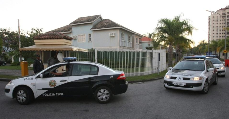 Goleiro Bruno, do Flamengo, é procurado pela polícia após ter prisão decretada em MG e RJ