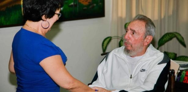 O ex-presidente cubano Fidel Castro, em sua primeira aparição pública desde que adoeceu. Fidel visitou o Centro Nacional de Investigações científicas, em Havana