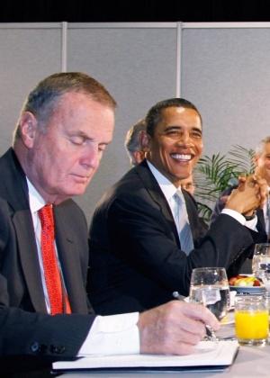 James Jones (esq.) é assessor de Segurança Nacional de Obama e participou de reunião do G20 ao lado do presidente dos EUA, em Toronto (Canadá)