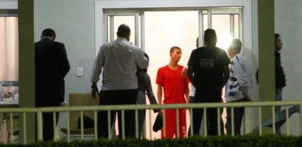 Policiais do Departamento de Investigações (DI) de Homicídios de Minas Gerais voltaram a realizar buscas ao corpo de Eliza Samudio no sítio do goleiro Bruno