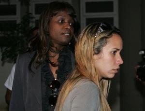 As delegadas Ana Maria Santos (esq.) e Alessandra Wilke (à dir.), da Delegacia de Homicídios de Contagem (MG), foram afastadadas do inquérito que apura o desaparecimento de Eliza Samudio
