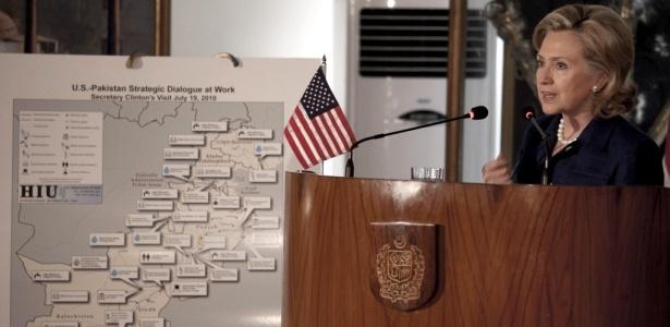 Hillary Clinton se reuniu com o ministro de Exteriores paquistanês: <b>VEJA OUTRAS FOTOS DO DIA</b>