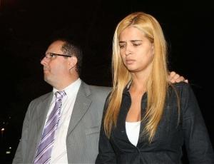Suposta amante do goleiro Bruno prestou depoimento no Departamento de Investigações