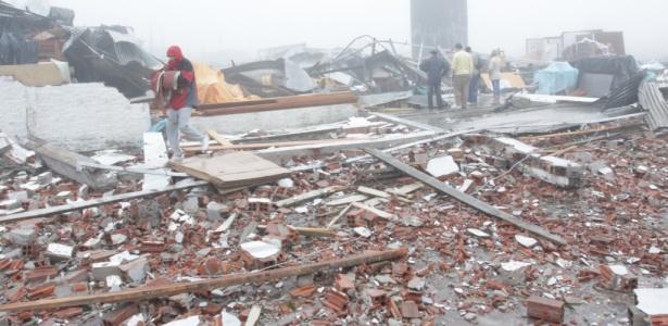 Forte temporal com ventos de até 124 km/h atingiu Canela, na região serrana do RS; VEJA FOTOS