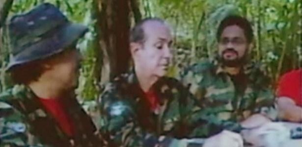 Guerrilheiros que estariam na selva venezuelana, segundo Luis Hoyos, embaixador colombiano na Organização dos Estados Americanos (OEA); VEJA OUTRAS FOTOS APRESENTADAS NA OEA