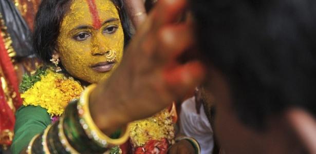 Casamentos entre diferentes castas ainda causa polêmica na Índia